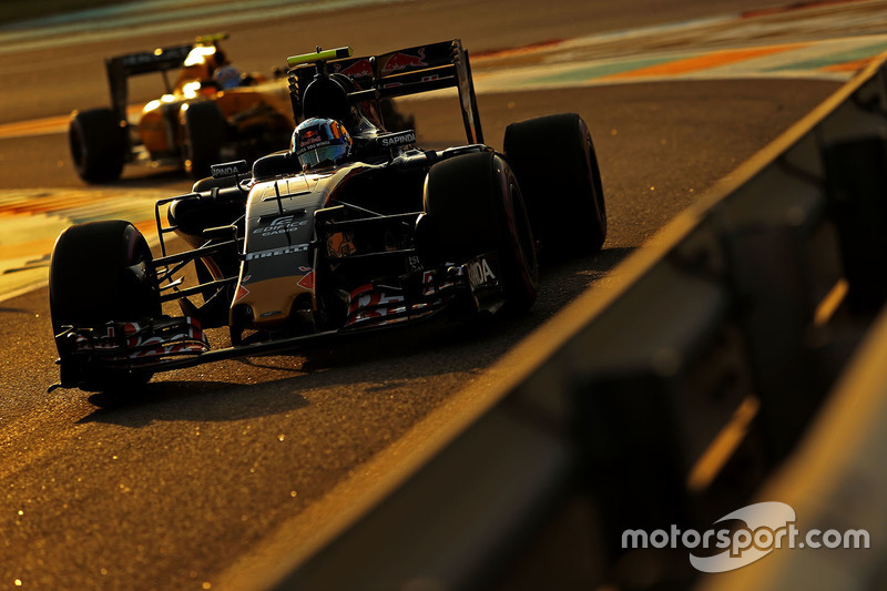 Abandon - Carlos Sainz (Toro Rosso)