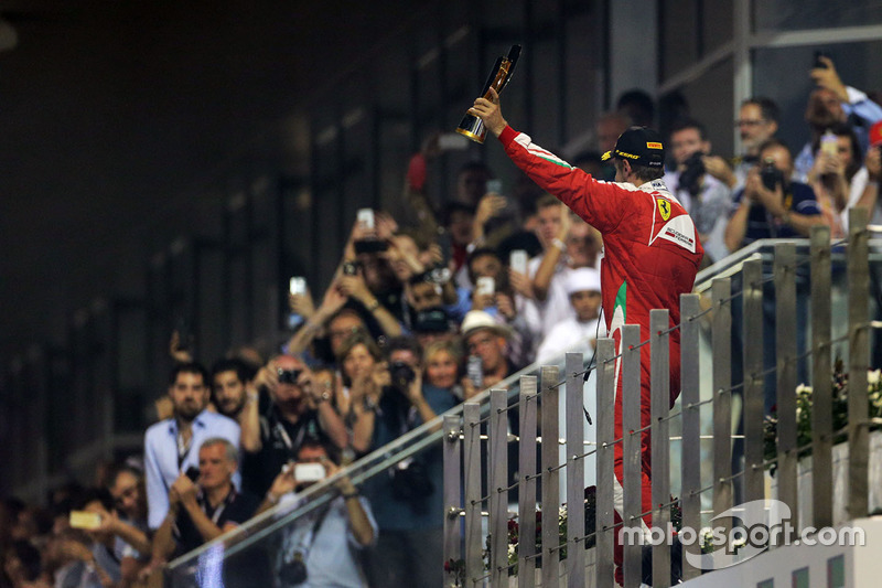 Sebastian Vettel, Ferrari celebra su tercer puesto en el podio