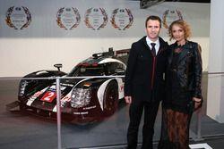 WEC-kampioen Romain Dumas, Porsche Team en vrouw Elysia