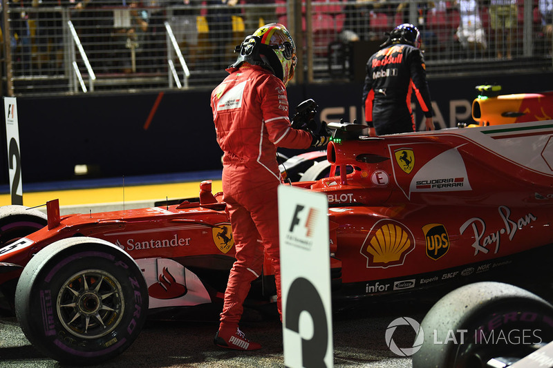 Sebastian Vettel, Ferrari SF70H nel parco chiuso