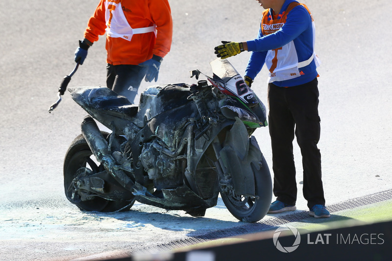 Сгоревший мотоцикл Тома Сайкса, Kawasaki Racing