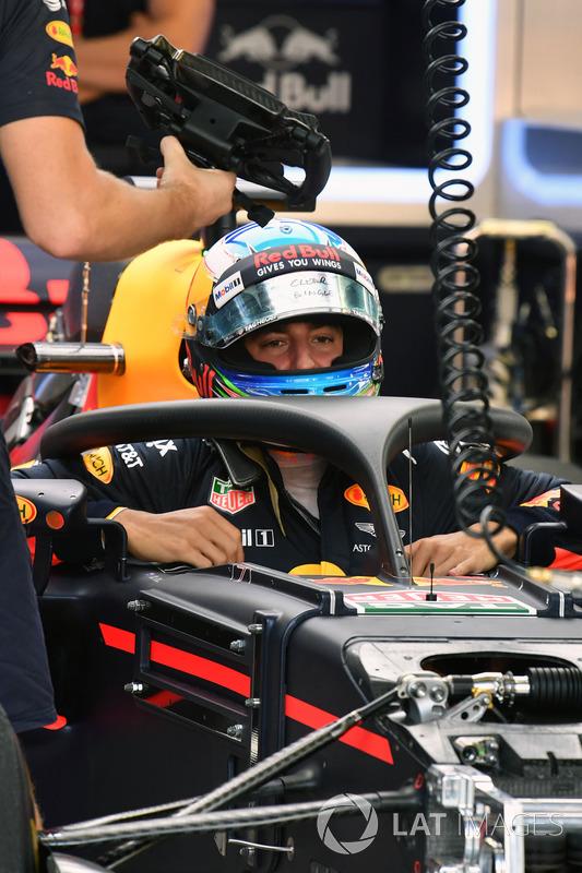Daniel Ricciardo, Red Bull Racing RB13 con il dispositivo halo