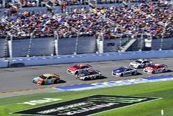 Kyle Busch, Joe Gibbs Racing Toyota, Kevin Harvick, Stewart-Haas Racing Ford, Ryan Blaney, Wood Brot