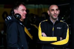(L to R): Alan Permane, Renault Sport F1 Team RS17 Trackside Operations Director with Cyril Abiteboul, Renault Sport F1 Managing Director