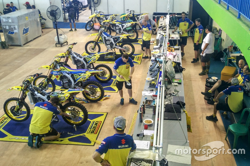 Team Suzuki World MXGP