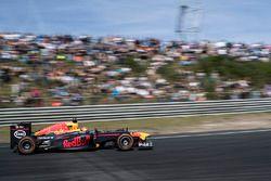 Max Verstappen, Red Bull Racing gösteri sürüşü