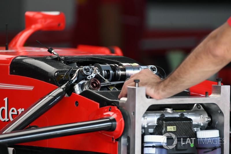 Ferrari SF70H ön süspansiyon detay