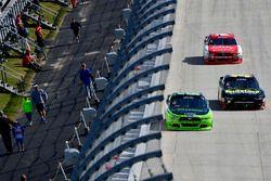 Ryan Blaney, Team Penske Ford, Ryan Sieg, RSS Racing Chevrolet, Ryan Reed, Roush Fenway Racing Ford