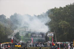 Monster Energy, atmosfera