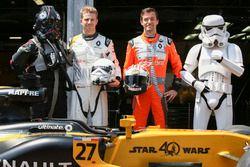 Nico Hulkenberg, Renault Sport F1 Team, Jolyon Palmer, Renault Sport F1 Team, avec des personnages de Star Wars