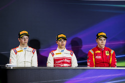 Post-race press conference: race winner Nyck De Vries, Rapax, second place Johnny Cecotto, Rapax, th