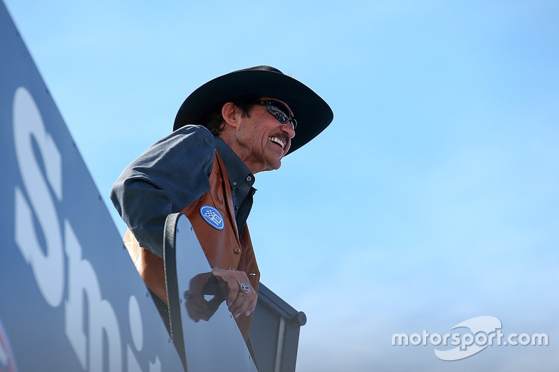 "Richard Petty é ""The King"" Weathers"
