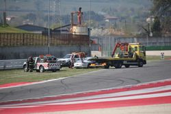 Porsche 911 GT3 CUP #52, Ghinzani Arco Motorspor, recuperata dopo il crash