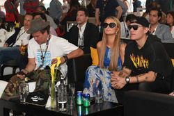 Paris Hilton e Chris Zylka