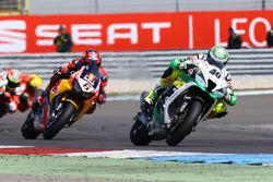 Roman Ramos, Team Go Eleven; Stefan Bradl, Honda World Superbike Team