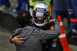 Carlos Sainz Jr., Scuderia Toro Rosso, dans le parc fermé