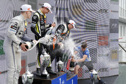 Podium: Race winner Lando Norris, Carlin Dallara F317 - Volkswagen, second place Jake Hughes, Hitech Grand Prix, Dallara F317 - Mercedes-Benz, third place Joey Mawson, Van Amersfoort Racing, Dallara F317 - Mercedes-Benz