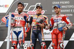 Podium : le vainqueur Marc Marquez, Repsol Honda Team, le deuxième Danilo Petrucci, Pramac Racing, le troisième Andrea Dovizioso, Ducati Team
