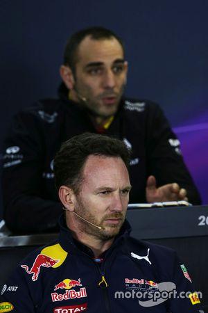 Christian Horner, Red Bull Racing Director del equipo en conferencia de prensa de la FIA