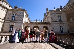 Chateau du Lude with the riders