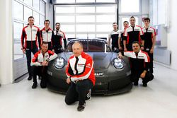 Marco Ujhasi, Porsche GT Motorsport Project Manager and his team in front of the 2017 Porsche GTE/GT