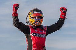Winner Tim Slade, Brad Jones Racing Holden