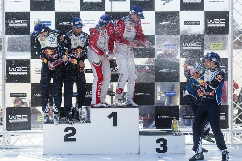 Podio: i vincitori Kris Meeke, Paul Nagle, Citroën DS3 WRC, Citroën World Rally Team, al secondo pos
