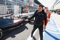 Stoffel Vandoorne, ART Grand Prix and Sébastien Philippe, ART Grand Prix Team Manager