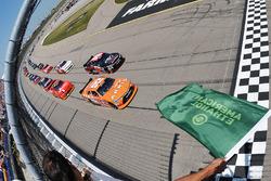 Start: Daniel Suarez, Joe Gibbs Racing, Toyota, führt