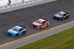 Jamie McMurray, Chip Ganassi Racing, Chevrolet; Kyle Larson, Chip Ganassi Racing, Chevrolet; Ricky S