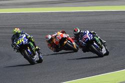 Valentino Rossi, Yamaha Factory Racing; Jorge Lorenzo, Yamaha Factory Racing; Marc Marquez, Repsol H