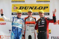 Podium: race winner Gordon Shedden, Halfords Yuasa Racing, second place Mat Jackson, Motorbase Performance, third place Jason Plato, Silverline Subaru BMR Racing