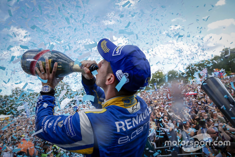 6. The Podium: Champion Sébastien Buemi, Renault e.Dams