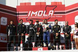 Podio GTCup Gara 2: al secondo posto Curti-Curti, Ebimotors, i vincitori Carboni-Durante, Drive Technology, al terzo posto Benvenuti-De Marchi, Imperiale Racing