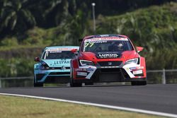 Sergey Afanasyev, SEAT León, Team Craft-Bamboo LUKOIL and Stefano Comini, Volkswagen Golf GTI TCR, Leopard Racing
