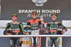 Podio: il vincitore della gara Chaz Davies, Ducati Team, il secondo classicato Tom Sykes, Kawasaki R