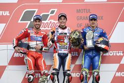 Podium : le vainqueur Marc Marquez, Repsol Honda Team, le deuxième Andrea Dovizioso, Ducati Team, le troisième Maverick Viñales, Team Suzuki Ecstar MotoGP
