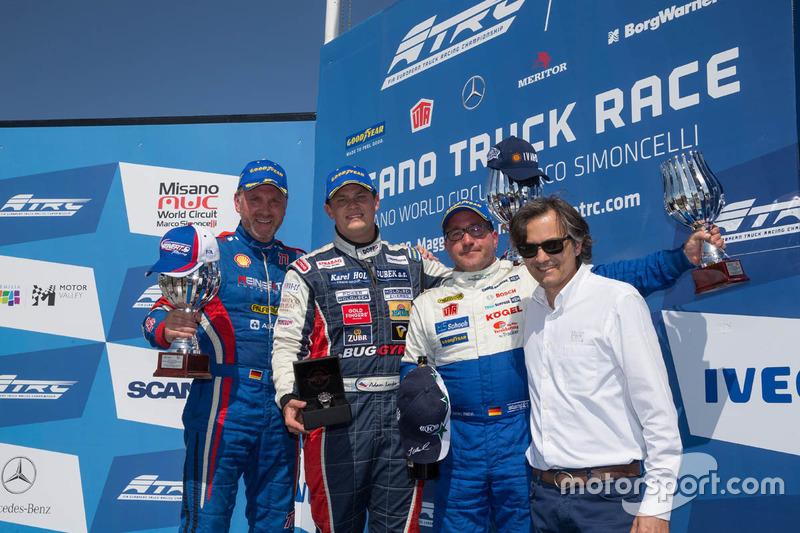 Podio: ganador de la carrera Adam Lacko, segundo lugar Jochen Hahn, y tercer lugare Norbert Kiss
