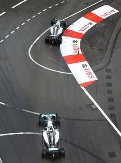 Nico Rosberg, Mercedes AMG F1 W07 Hybrid voor ploegmaat Lewis Hamilton, Mercedes AMG F1 W07 Hybrid