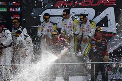 Podio: #28 Belgian Audi Club Team WRT, Audi R8 LMS: Nico Müller, René Rast
