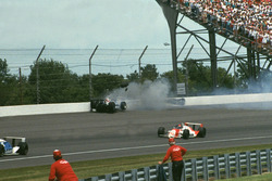 Crash: Dreher: Al Unser Jr., Galles Racing, Lola-Chevrolet