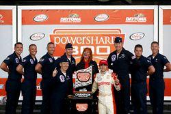 Ganador de la carrera: Chase Elliott, JR Motorsports Chevrolet con Thunder birds pilots