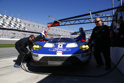 Себастьен Бурдэ, Джой Хенд и Дирк Мюллер, #66 Ford Performance Chip Ganassi Racing Ford GT