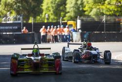 Antonio Felix da Costa, Team Aguri breaks down on track, as Lucas Lucas di Grassi, ABT Schaeffler Audi Sport passes