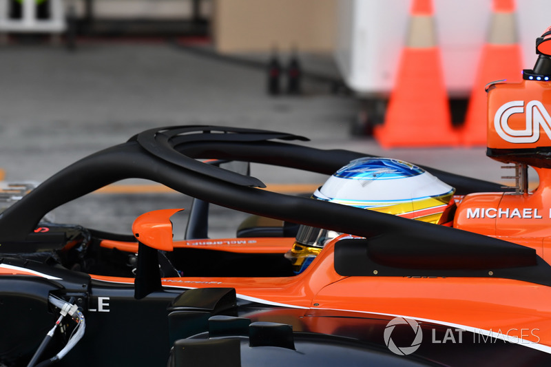 Fernando Alonso, McLaren MCL32, aero sensors and halo