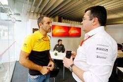 Cyril Abiteboul, Managing Director, Renault Sport F1 Team, Fernando Alonso, McLaren, Eric Boullier,