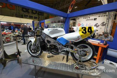 Schwantz 1989 RGV500, restauro
