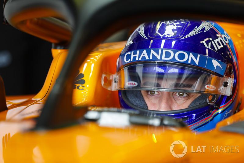 Fernando Alonso, McLaren, en su cabina