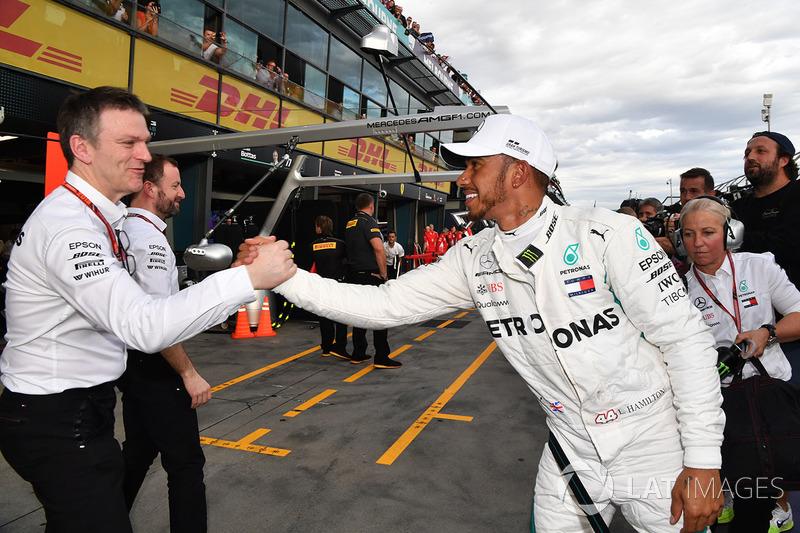 Pole sitter Lewis Hamilton, Mercedes-AMG F1 celebrates in parc ferme with James Allison, Mercedes AM