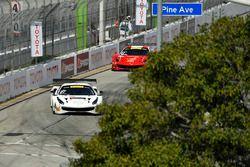 #31 TR3 Racing Ferrari 488 GT3:: Daniel Mancinelli, #61 R.Ferri Motorsport Ferrari 488 GT3: Toni Vilander